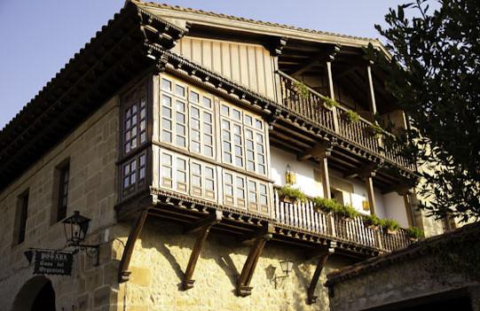 Vista de la balconada del Alojamiento en Santillana del Mar
